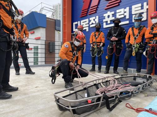 경북소방, 산악ㆍ계곡 추락사고 대비 인명구조 특별훈련 실시